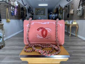 💯Authentic Chanel Pink Lipstick Patent Flap Bag for Sale in Los Angeles, CA