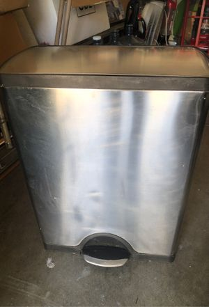 """SIMPLEHUMAN Big trash can, look new. Morning need a new home. $15. Size 26"""" T X 19"""" W and 10"""" D. for Sale in Mission Viejo, CA"""