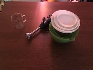 Nesting bowls with lid, 2 speed hand blender, measuring cup for Sale in Santa Monica, CA