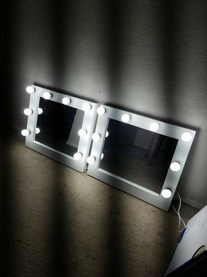 Desktop makeup vanity mirror for Sale in Bloomington, CA