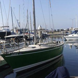 1981 Tartan Sailboat LIKE NEW 9.5/10 Boat Sail Motor for Sale in Huntington Beach, CA