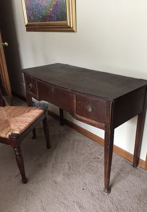 Antique Desk for Sale in Canal Winchester, OH