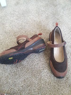 Brand new jambu terrain size 7 ladies shoes no tags for Sale in Henderson, NV