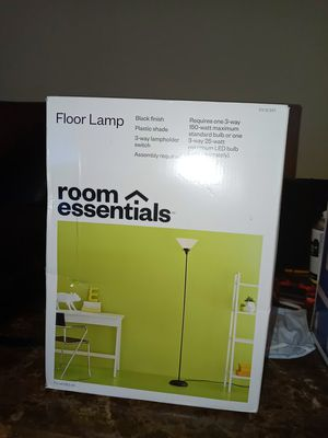 Floor lamp 71 inches tall for Sale in Hapeville, GA