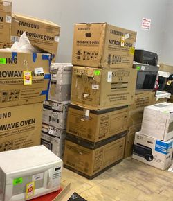 Microwave Liquidation Sale 😊😊😊 UEX for Sale in China Spring,  TX
