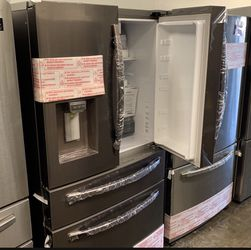 NEW OUT OF BOX SAMSUNG TUSCAN STEEL FOUR DOOR REFRIGERATOR for Sale in Lake Elsinore,  CA