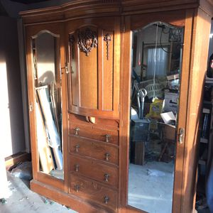 Antique armoire for Sale in Fremont, CA