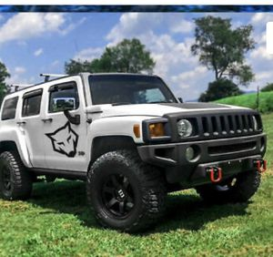 2009 hummer h3 Grill fenders bumper lights for Sale in Dallas, TX