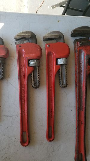 4 pipe wrenches for Sale in Manchester Township, NJ