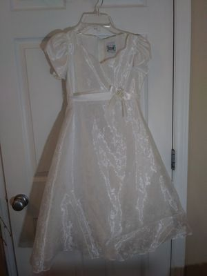 First Communion or Flower Girl Dress (Size 8) for Sale in Raleigh, NC