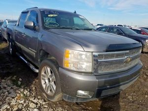 99 to 19 Silverado Sierra 1500 2500 3500 Parts for Sale in Fort Lauderdale, FL