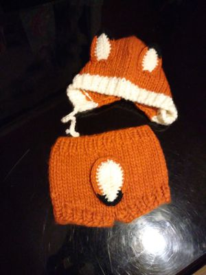 Nb fox knitted diaper and beanie for Sale in Houston, TX