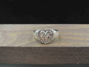 Size 9 Sterling Silver Swirl Pattern Heart Band Ring Vintage Statement Engagement Wedding Promise Anniversary Bridal Cocktail for Sale in Everett, WA