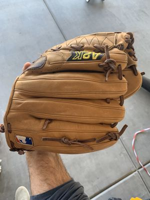 A2K Baseball Glove (Left Handed) for Sale in Peoria, AZ