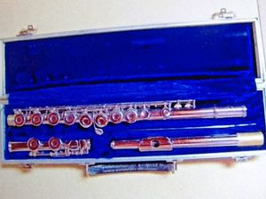 Armstrong flute - closed hole and ready to play for Sale in Poulsbo, WA
