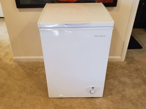 Insignia 3.5 Cubic Foot Chest Freezer for Sale in Aspen Hill, MD