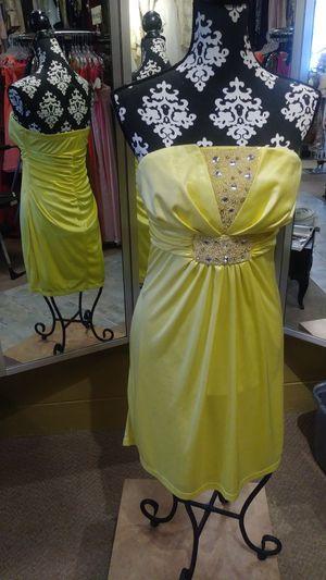 MyMichelle Brand Yellow Dress for Sale in Trenton, MI