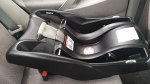 Britax car seat adopter for Sale in Chicago, IL