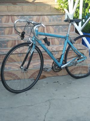 Vintage Giant bike for Sale in Los Angeles, CA