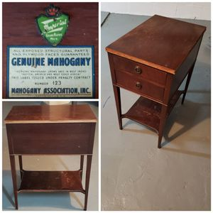 Vintage Imperial Grand Rapids Genuine Mahogany end table - number 123 for Sale in Battle Creek, MI