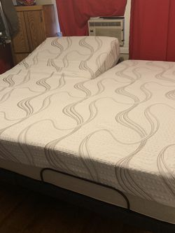 Split Top cal king Adjustable Bed...everything New for Sale in Vancouver,  WA