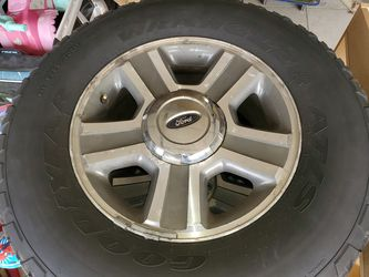 2006 ford f150 stock wheels for Sale in Macomb,  MI