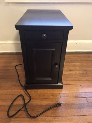 End Table or Night Stand with built-in power strip for Sale in Cincinnati, OH