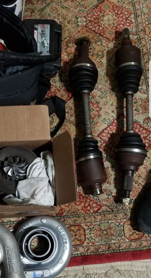 B series DSS 5.9 axles and hubs for Sale in Fairfax, VA