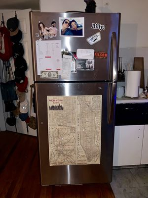 GE® ENERGY STAR® 18.2 Cu. Ft. Top-Freezer Refrigerator for Sale in New York, NY