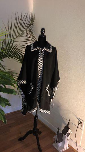 LeModa fleece/ houndstooth cape for Sale in Sarasota, FL