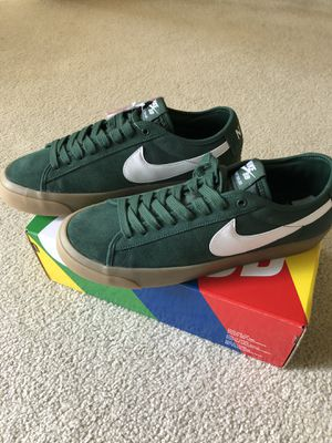 Nike SB Blazer Low GT Green Gum (SIZE 10) for Sale in Shelby Charter Township, MI
