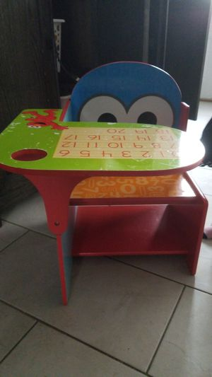 elmo desk cookie monster for Sale in Streamwood, IL