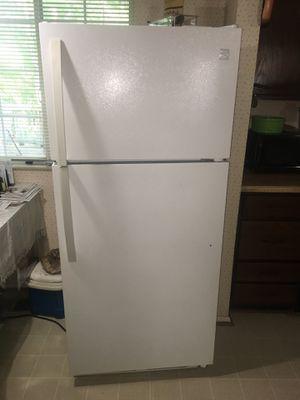 White Kenmore Fridge for Sale in Manassas, VA