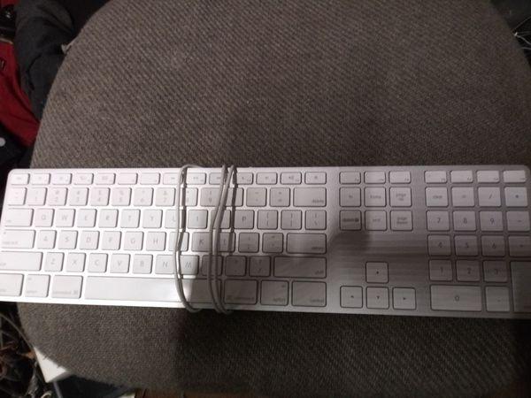 apple aluminum wired keyboard for sale in tampa fl offerup. Black Bedroom Furniture Sets. Home Design Ideas