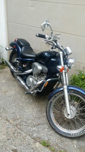 Honda vt shadow 1988 model 600cc/ motorcycle for Sale in Bronx, NY