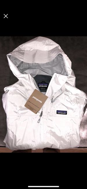 Brand New white Patagonia rain jacket for Sale in Elgin, SC