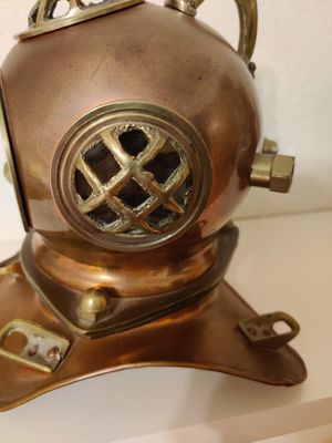 Metal diving helmet use as decoration for Sale in Roselle, IL