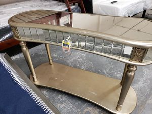 Accent console table for Sale in Hayward, CA