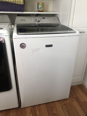 Like New Maytag Washer for Sale in Hazelwood, MO