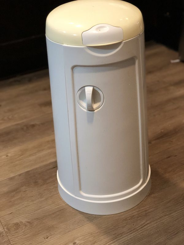 Munchkin Diaper pail