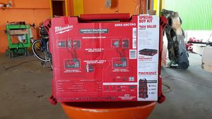 Milwaukee drill set with charger for Sale in Orlando, FL
