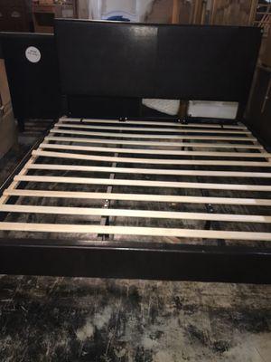 Brown leather king bed frame for Sale in Jacksonville, FL