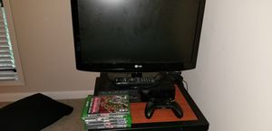Xbox one with 5 games plus small lg tv for Sale in Atlanta, GA