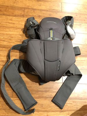 Mamas and Papas baby carrier for Sale in Crystal City, MO
