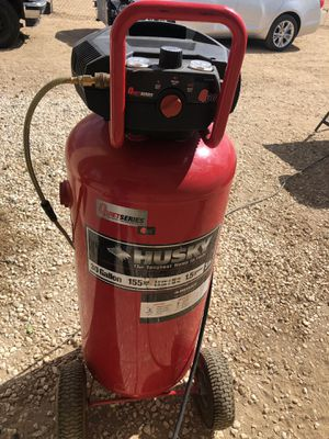 Husky 30 Gallon Air Compressor for Sale in Hesperia, CA