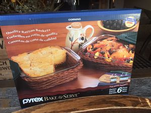 Six piece baking set comes with two Pyrex dishes two baskets and two lids $20 pick up in Canyon country crossposted MQ for Sale in Newhall, CA