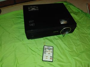 Projector benq mp610 for Sale in Fort Lauderdale, FL