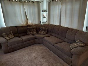 Sectional Couch $200 OBO. 2 piece w/recliner & bed for Sale in Lakeside, CA