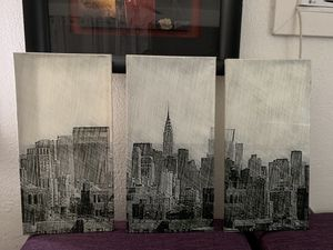New York picture frames for Sale in Phoenix, AZ
