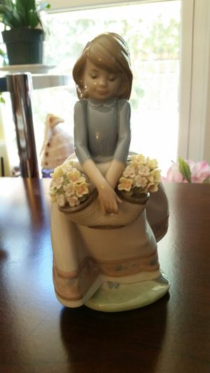 Lladro girl with flowers figurine *available * for Sale in Beaverton, OR